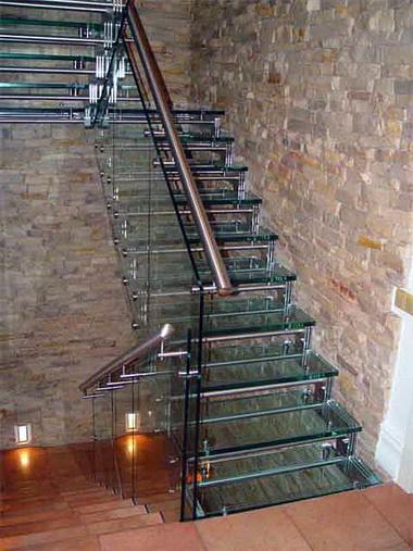 Стеклянная лестница.
